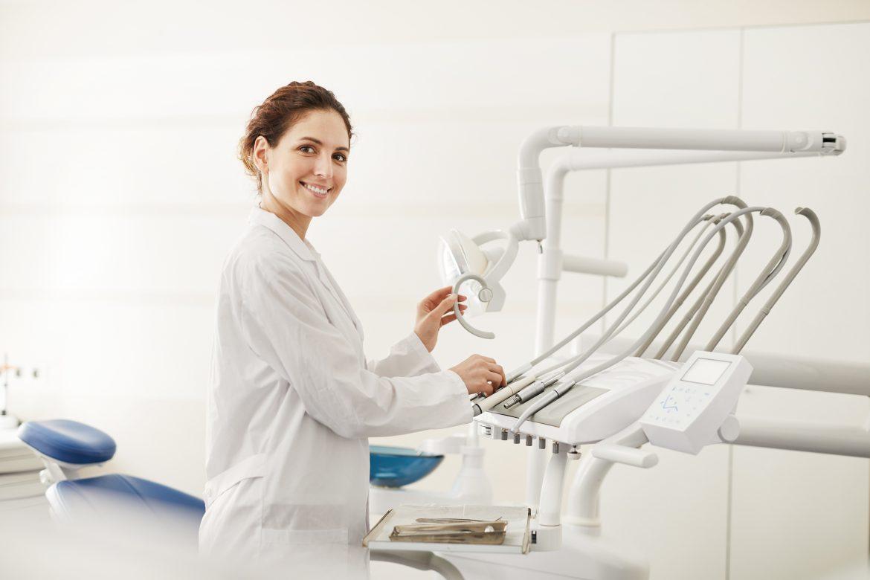 Tipos de carillas dentales: ventajas, cuidados y mantenimientos